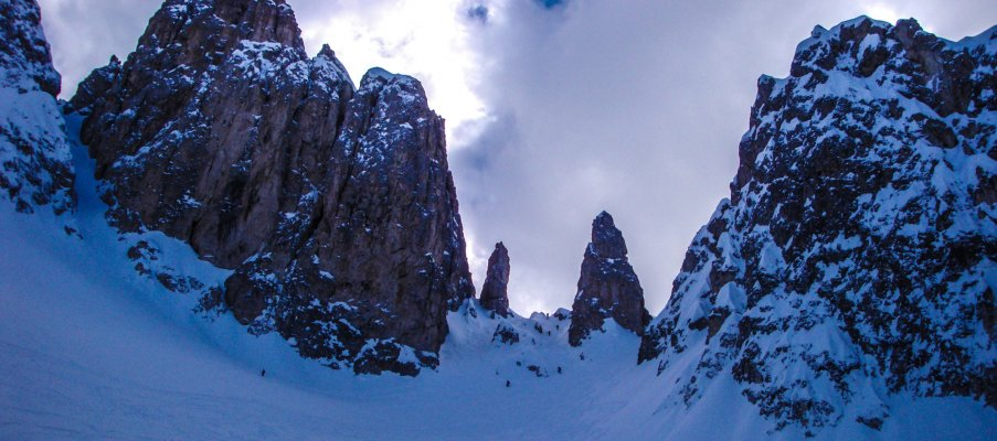 Couloir skiing in the Dolomites